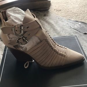 SOUGHT AFTER boots. Soooo cute. I love them.